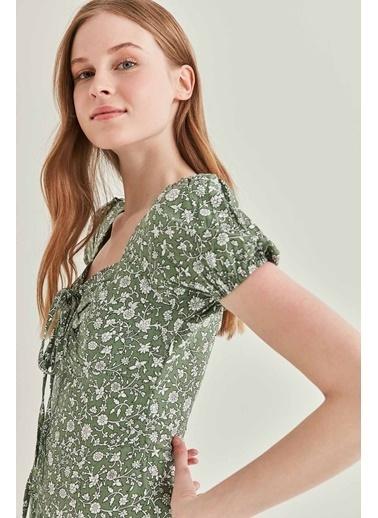Vitrin Yaka Bağcık Detaylı Minik Kol Elbise Yeşil